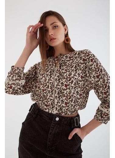 Modaset Desenli Crop Bluz Bej Bej